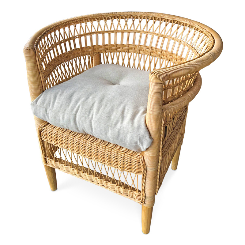 Malawi | Natural rattan lounger